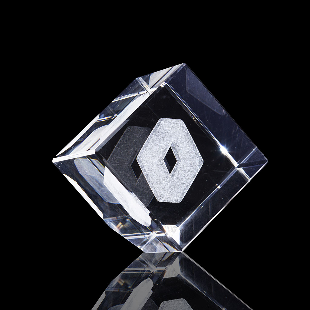bloc-laser-cube-pan-coupe-60x60x60mm-renault-logo