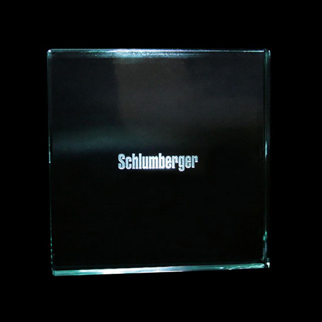 presse-papiers-en-verre-gravure-laser-100x100x15mm - Schlumberger