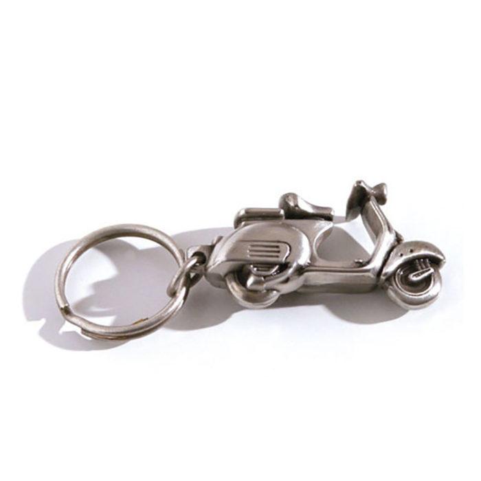porte-cles-metal-luxe-argent-vieilli-anneau-brise-plat-2-vespa